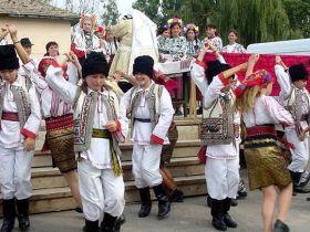 Traditii si obiceiuri de Pasti 1209414518-2